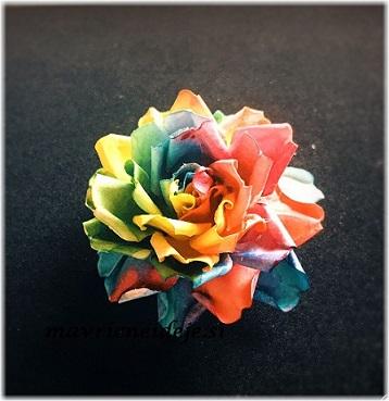 Mavrična vrtnica iz papirja