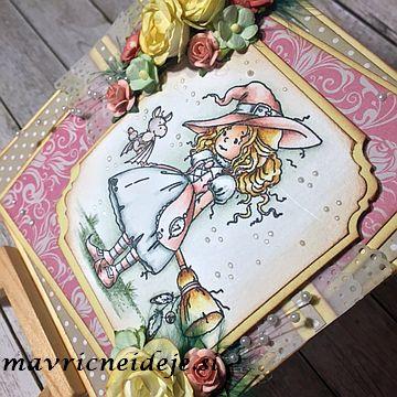 Voščilnica z roza čarovnico