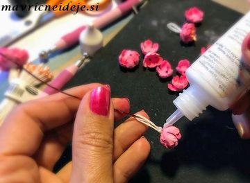 Lepljenje cvetnih listkov