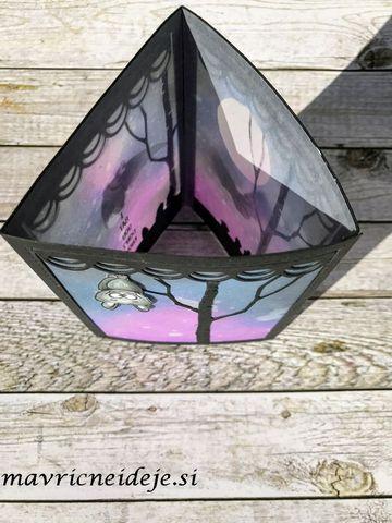 Sestavljena lučka z netopirji