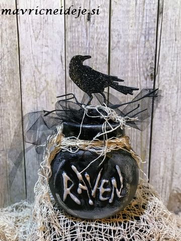 Raven in the jar haloween decoration