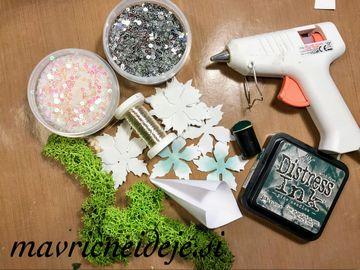 1 material za izdelavo smrečice iz mahu